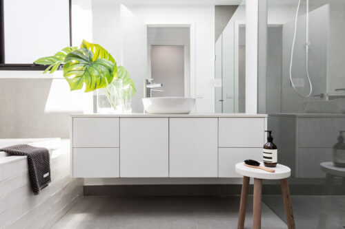 Cheap bathroom renovations: how much they cost and how to save money