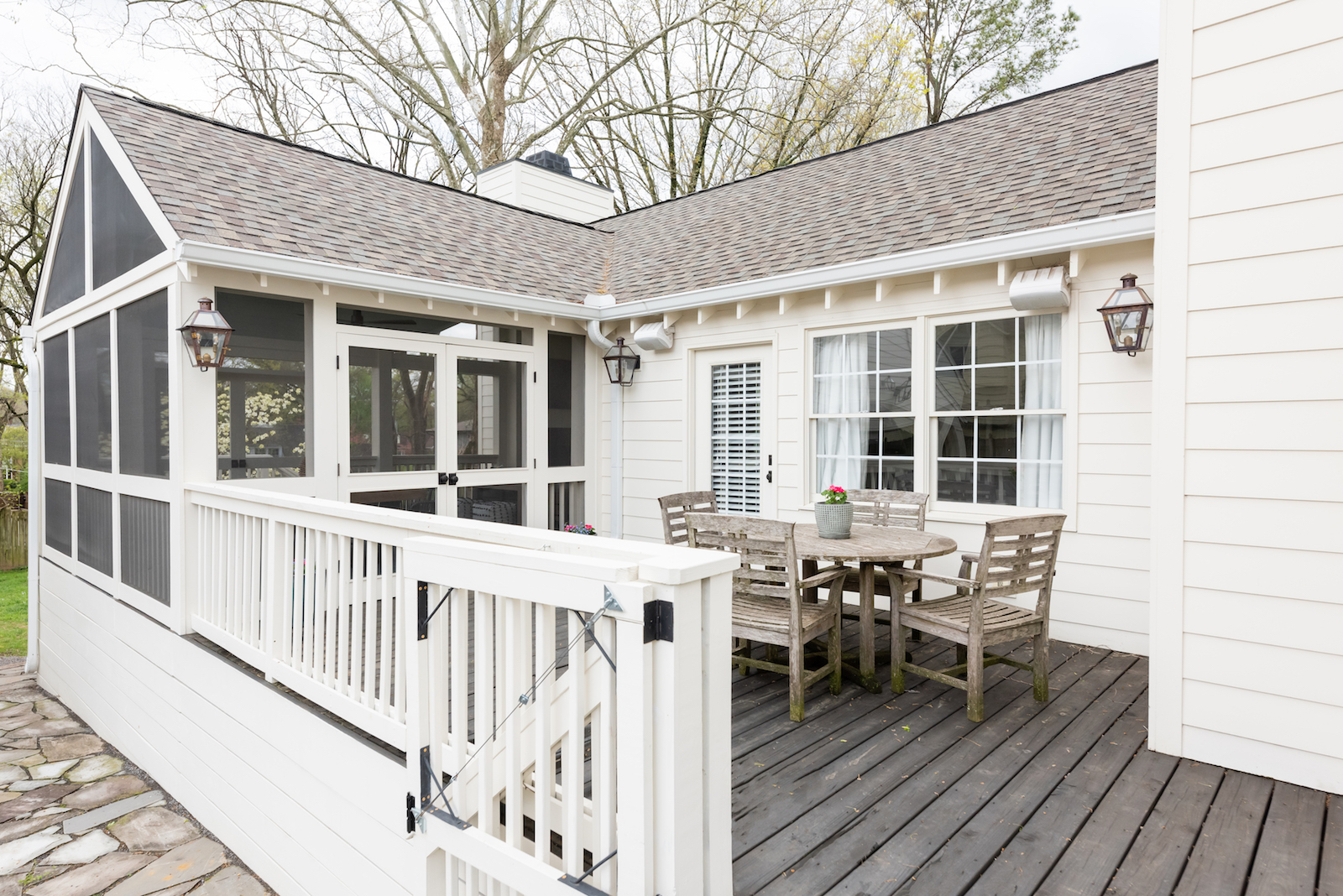 Outdoor dining area in renovated Nashville home